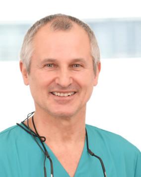 Ihr Zahnarzt für Implantologie in Bonn